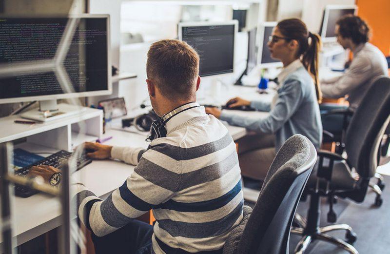 Os benefícios da terceirização da mão de obra de TI