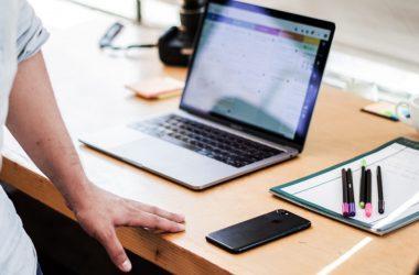 Quantos e quais seriam os documentos que podem ser solicitados para os participantes de um pregão eletrônico?